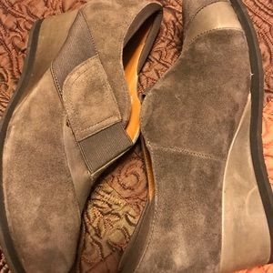 Women's leather Earthies 7.5 gray
